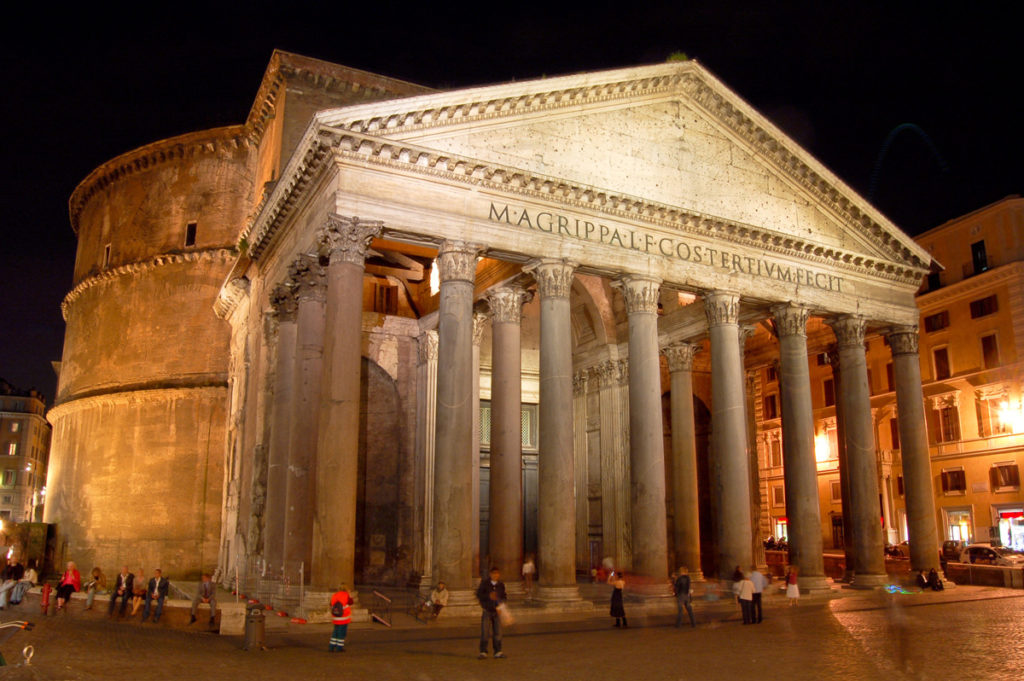 romeguide-pantheon-atnight